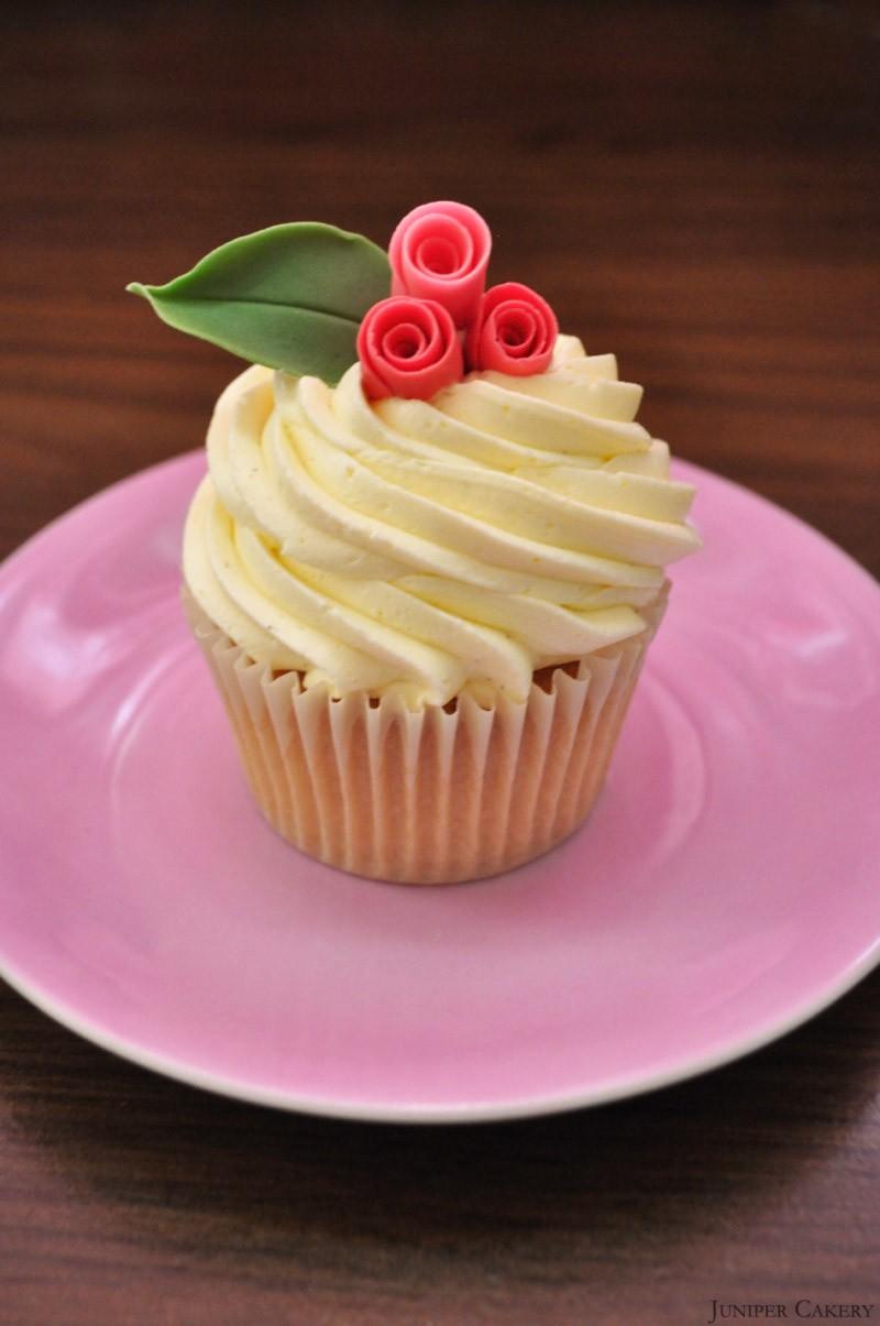 Large Simple Rose Cupcake