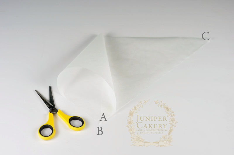 how to make a parchment cornet by Juniper Cakery