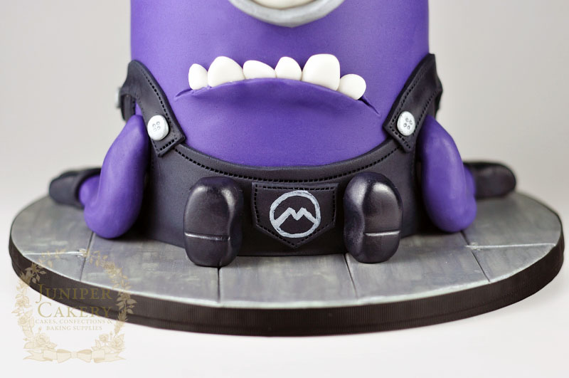 Awesome evil purple minion cake by Juniper Cakery