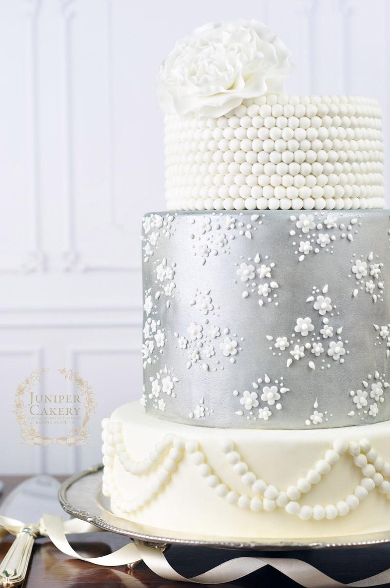 Easy Lace Cake Design : Silver Vintage Lace Wedding Cake!
