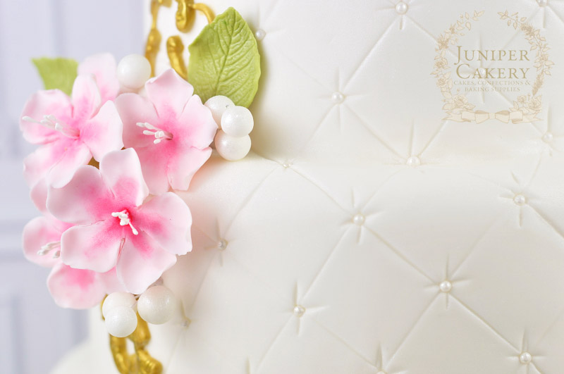 Sugar cherry blossoms by Juniper Cakery