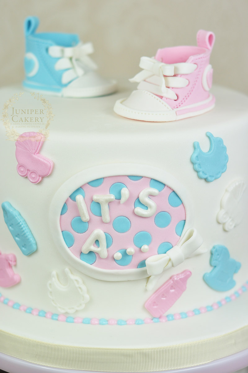 Cake with gum paste Converse shoes by Juniper Cakery