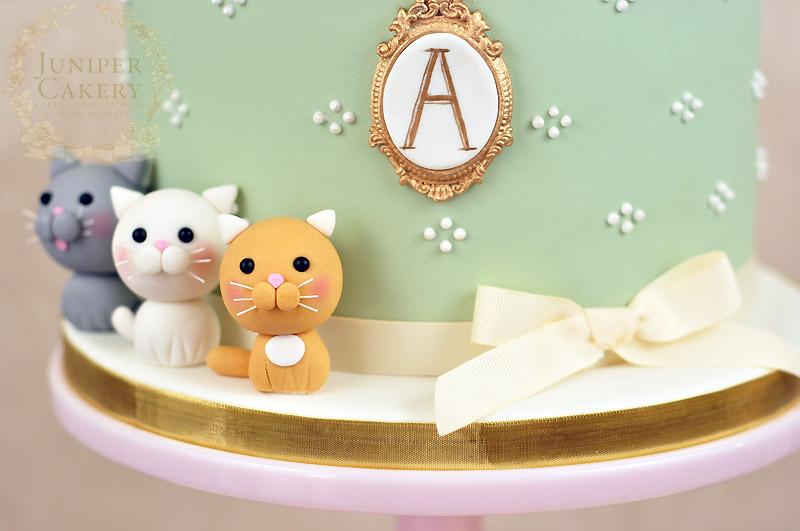 Kitten and cat inspired cake by Juniper Cakery